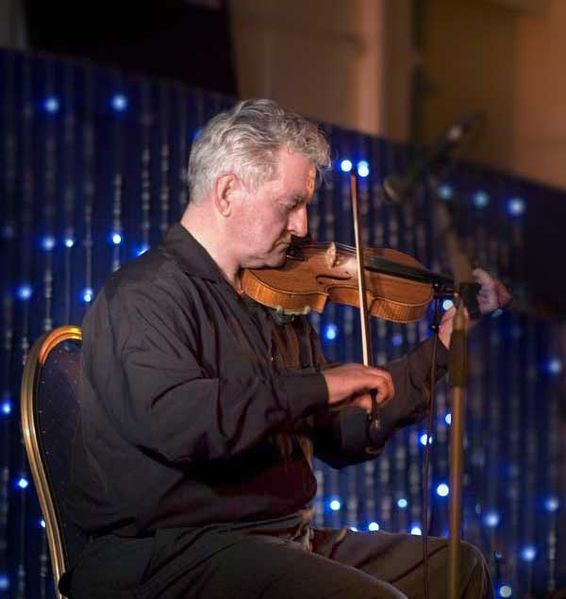 Irish fiddle player Tommy Peoples
