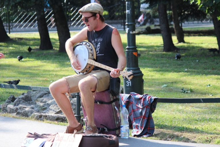 10 Busking Tips That Will Make You Money